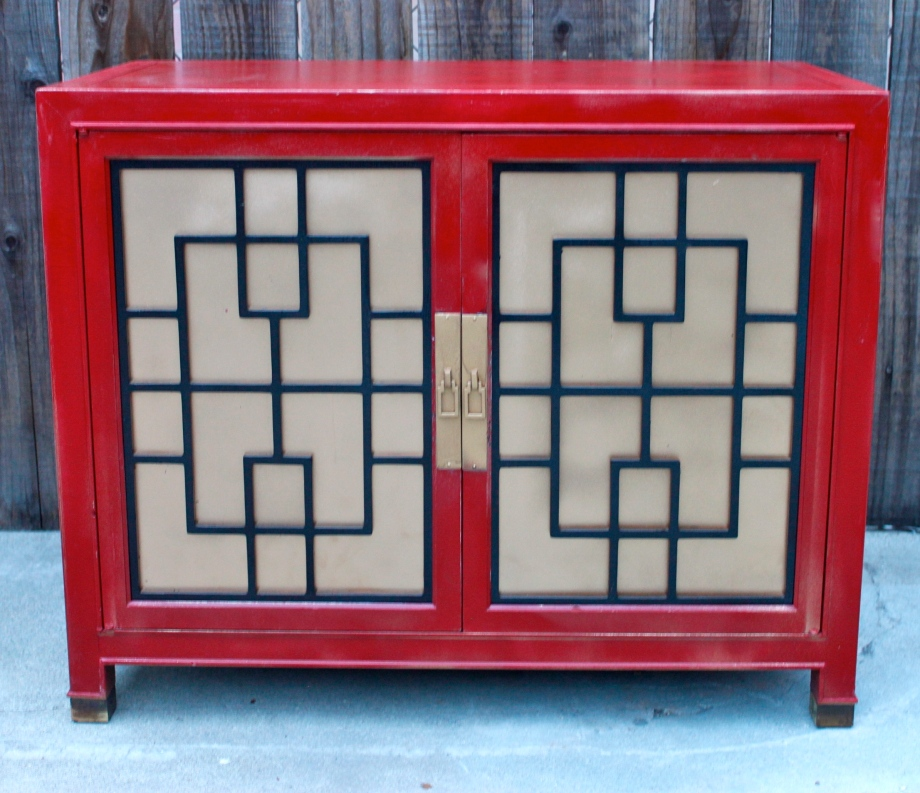 This beautiful cabinet was begging to be saved as it sat sadly on the curb.I had to rescue!
