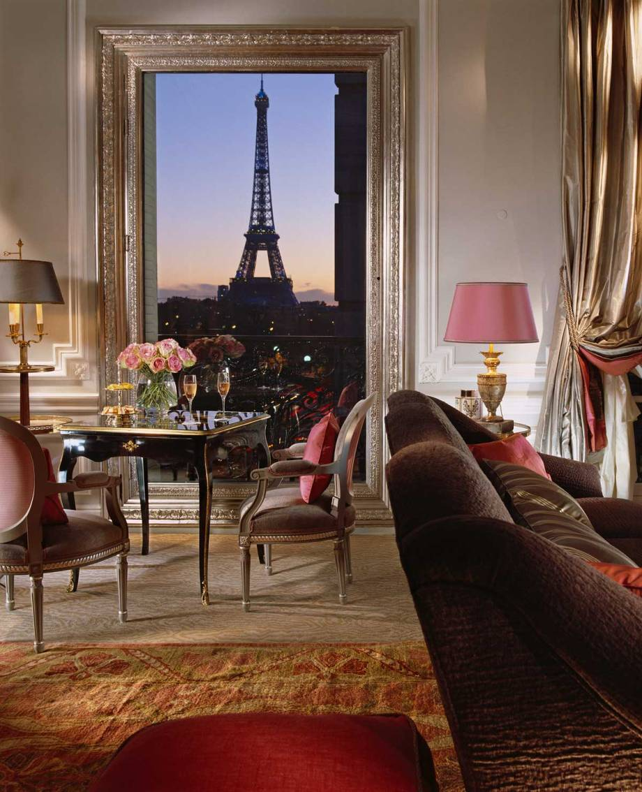 Eiffel-Suite-361-Evening-View